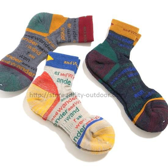 and wander AIRWOOL HIKING SOCKS
