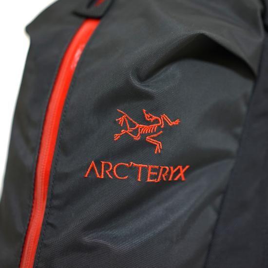 ARC'TERYX ARRO22 RED & BLUE