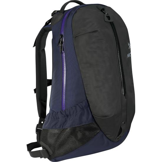 Arro-22-Backpack-Black-Sapphire_small