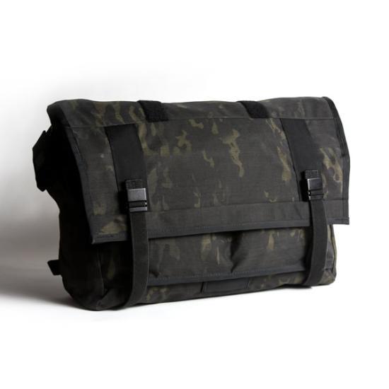 MultiCam-Black-Messenger-Bag-16_small