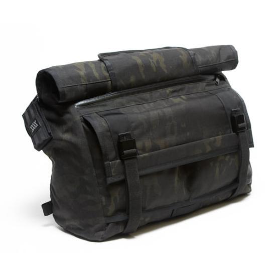 MultiCam-Black-Messenger-Bag-5_small
